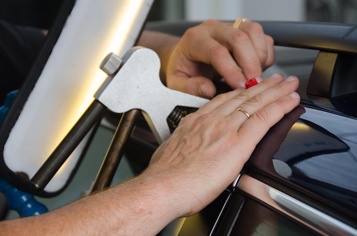 Professional fixing car dent